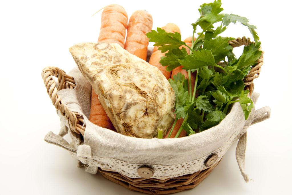 Suppengemüse für Knochenbrühe